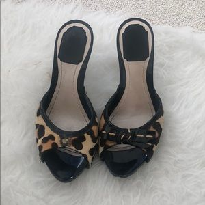 Dior sandals size 7 missing one bow .